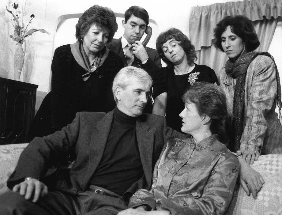 "Members of the Cast Standing, left to right: Doreen Davies (""Sheila""), David McOnie (""Glenn""), Donna McOnie (""Helen""), Judi Porter (""Ruth""). Sitting, left to right: Stewart Hiorns (""Sam""), Alison Shepherd (""Maggie"")."